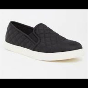 Torrid Quilted Slip on sneaker Size 9w